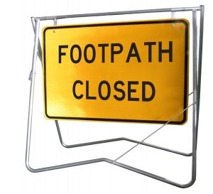 Footpath Closed - 900x600 - Mounted on swing stand